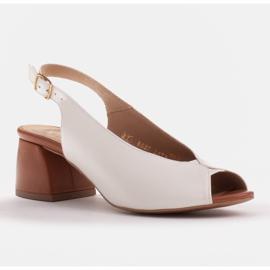 Marco Shoes Białe sandały 1573P ze skóry na stabilnym obcasie 1