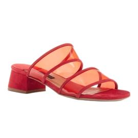Marco Shoes Klapki damskie z półprzeźroczystymi paskami czerwone 1
