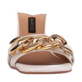 Marco Shoes Klapki damskie ze skóry z łańcuchem ozdobnym beżowy 2