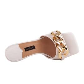 Marco Shoes Klapki damskie ze skóry z łańcuchem ozdobnym beżowy 4