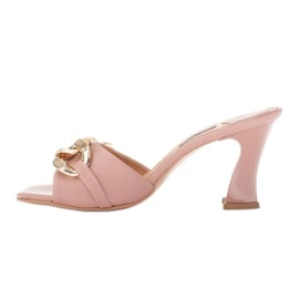Marco Shoes Klapki damskie ze skóry z łańcuchem ozdobnym różowe 2
