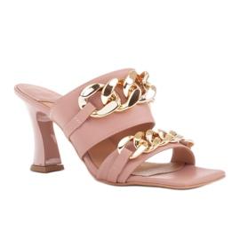 Marco Shoes Klapki damskie ze skóry z łańcuchem ozdobnym różowe 1