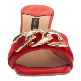 Marco Shoes Klapki damskie z czerwonej satyny z łańcuchem ozdobnym 3
