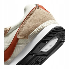 Buty Nike Venture Runner W CK2948-105 beżowy białe 2