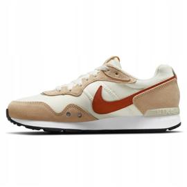 Buty Nike Venture Runner W CK2948-105 beżowy białe 6