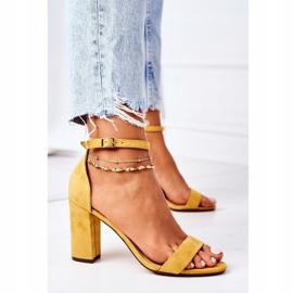 PS1 Zamszowe Sandały Na Słupku Żółte Florence 5