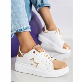 SHELOVET Stylowe Sneakersy Na Platformie białe 2