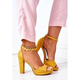 PW1 Zamszowe Sandały Na Słupku Żółte Sarah 3