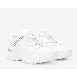 Białe sneakersy na grubej podeszwie Zooey 1