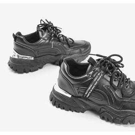 Czarne sneakersy na grubej podeszwie Zooey 2