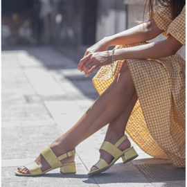 Marco Shoes Sandały Cinta z obcasem powlekanym skórą żółte 1