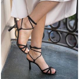 Marco Shoes Eleganckie sandały na szpilce z wiązanym rzemykiem czarne 7