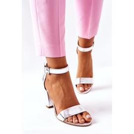 Klasyczne Skórzane Sandały Na Słupku Laura Messi 1760 Srebrne srebrny 1