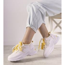 Białe sneakersy z żółtymi wstawkami Splitters żółte 1