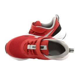 Buty Nike Revolution 5 (PSV) Jr BQ5672-603 czerwone 5