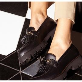 Marco Shoes Mokasyny ze złotym łańcuchem na lekkiej podeszwie czarne 2
