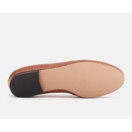 Marco Shoes Baleriny ze złotym łańcuchem brązowe 6