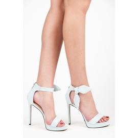 Ideal Shoes Zamszowe sandałki z kokardką niebieskie 2