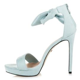 Ideal Shoes Zamszowe sandałki z kokardką niebieskie 4