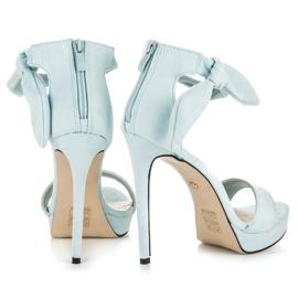Ideal Shoes Zamszowe sandałki z kokardką niebieskie 5